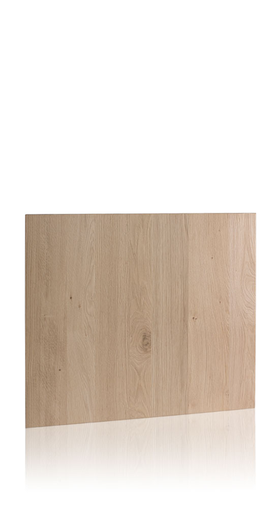 Knotted rustic-finished oak with solid wood effect edge